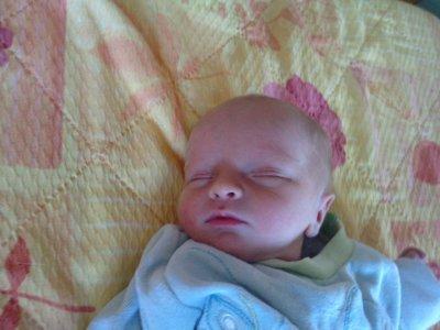mon bébé il est né le 30juin a 9h58 par césarienne je t'aime fort