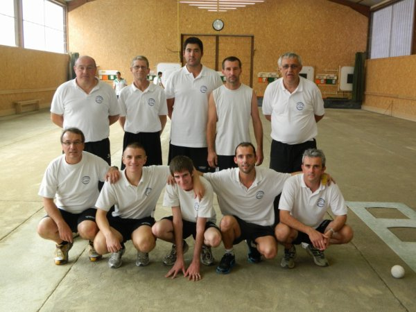 EQUIPE N4 VICTORIEUSE A CHATEAUNEUF/ISERE