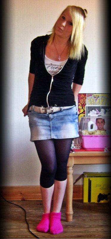 Plus javance plus je grandit plus je devien belle plus je me fait traiter ... :'(