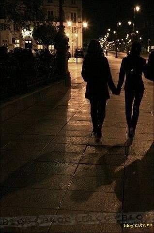 Lena & Yulia dans la rue