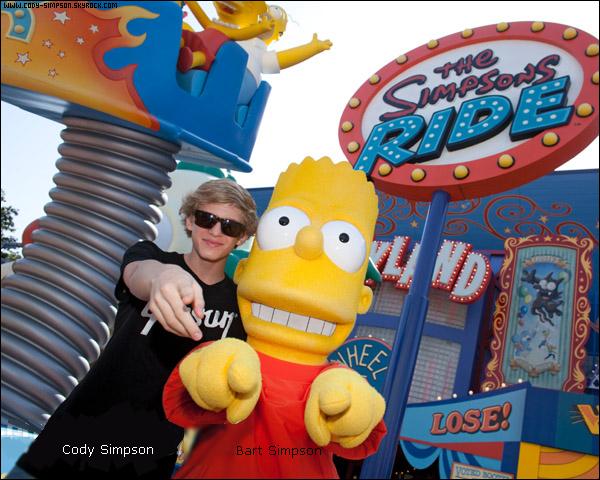 30 avr. Cody passe du bon temps à la plage « Miami Beach » avec sa famille en Floride. + Cody au parc d'atraction « Orlando Resort » à Orlando, en Floride.