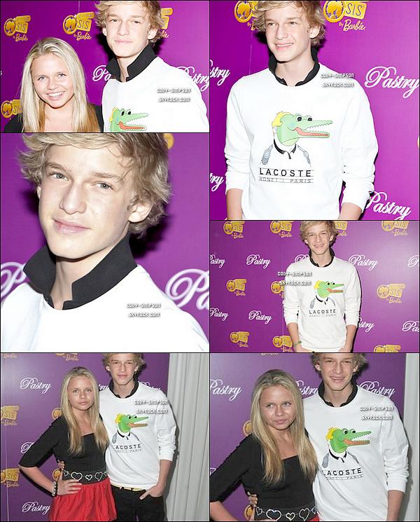 19 Mai. Cody et sa soeur Alli se sont rendu ensemble au « BARBIE SO IN STYLE » pour la nouvelle collection « Pastry ».