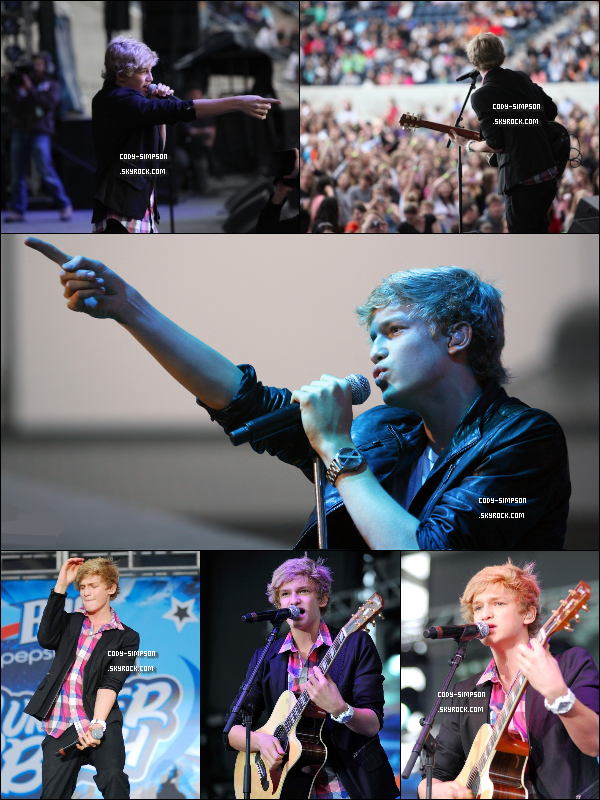 4 juin. Cody performe à l'évènement « Pepsi Summer Bash » à Chicago.