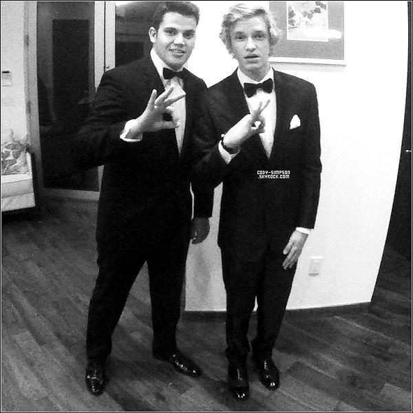 18.03.12 Cody se rend à l'avant première du film « Mirror Mirror » à Los Angeles, en Californie.   .