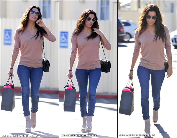 29.10  :  Eva avec une de ses amie quittant le Cafe Med Restaurant de West Hollywood .