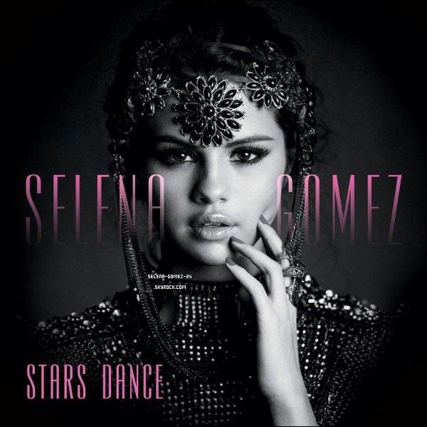 "Mardi 23 juillet 2013  -  Le nouvel album de Selena Gomez, ""Stars Dance"", sort aujourd'hui  !"