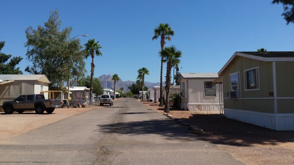 Mobile Home in Apache Junction - Advantages of Mobile Homes