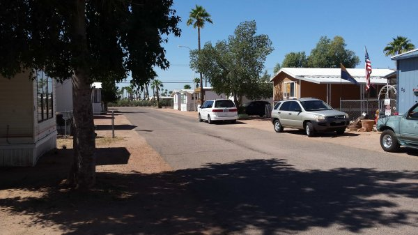Mobile Home in Apache Junction - Benefits Of Living In A Mobile Home Community