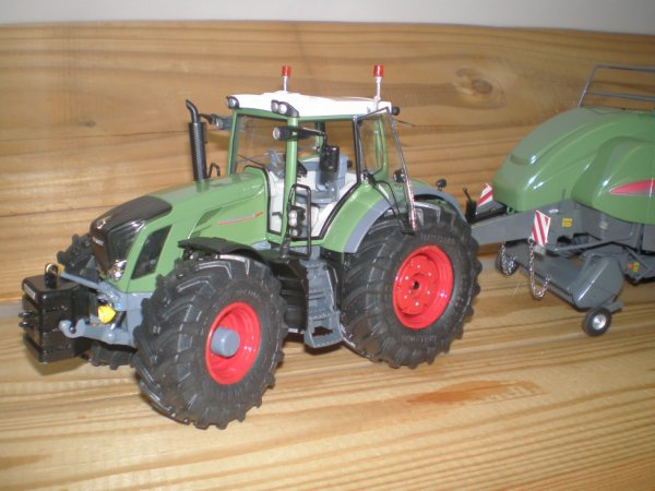 Fendt 828 avec pneus Trelleborg ( fini )
