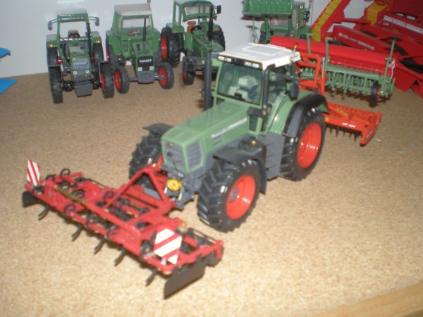 Petit ensemble ( Fendt 824 )