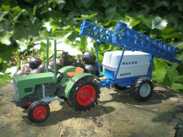 Veille photo , Fendt serie 200 ( modif de ± 12 ans )