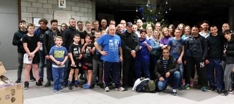 Je suis heureuse de vous présenter notre Club de Sport     L'académie Kick-Boxing