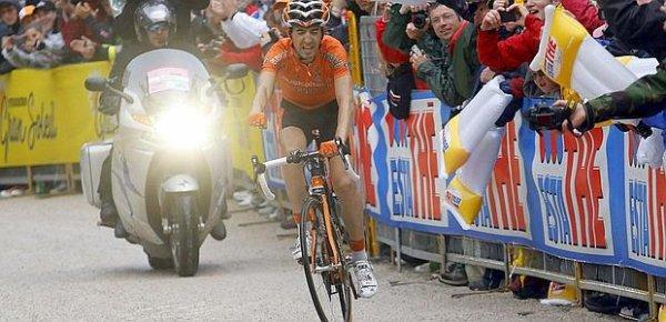 Giro 2011 : 15ème étape : Nieve s'impose aprés une longue échappée