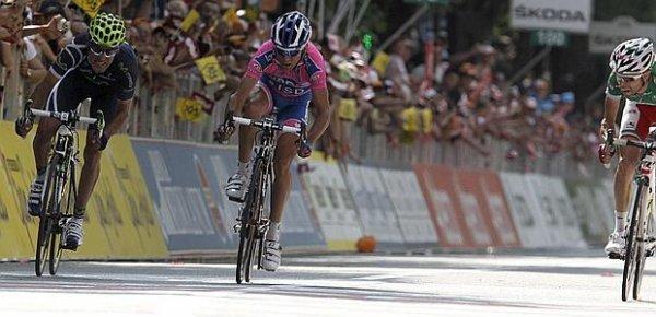 Giro 2011 : 17ème étape : Visconti déclassé, Ulissi vainqueur