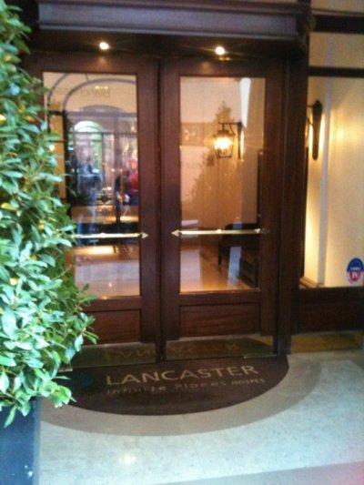 Hotel Lancaster Suite Marlene Dietrich http://www.journaldesfemmes.com/luxe/magazine/l-hotel-lancaster-en-photos/la-suite-marlene-dietrich.shtml