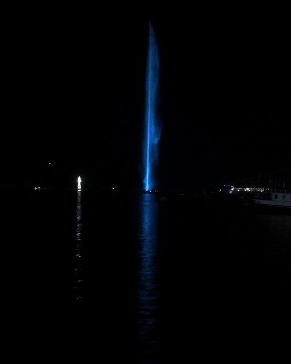Jet d eau de Genève Version Bleu