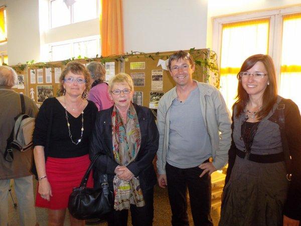 A Wez-Macquart, on est venu en famille pour voir l'exposition sur l'école (2/3)
