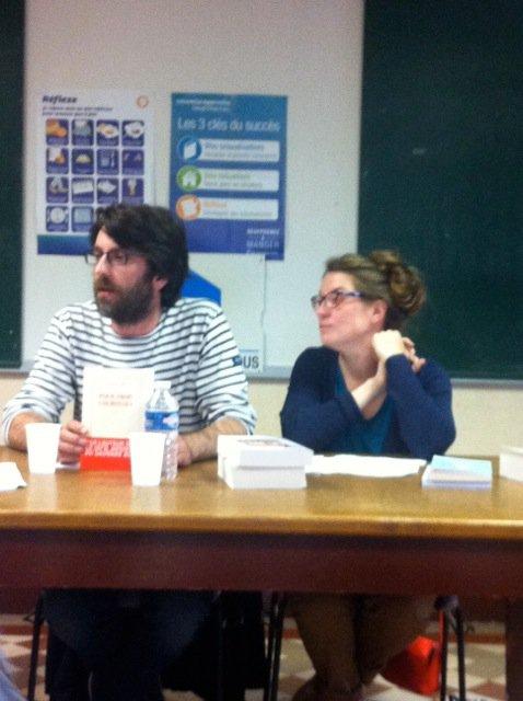 Vendredi dernier, la bibliothèque pour tous de La Bassée présentait sa sélection de livres pour l'été (Reportage de Chantal Dhennin)