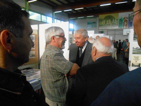 Forum des Weppes 2013 : le bourmestre de Comines-Warneton visite les stands