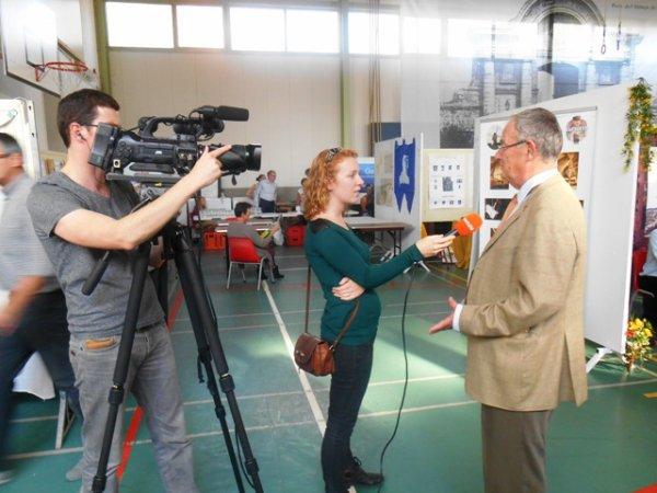 Forum des Weppes 2013 à Warneton : la télévision belge était sur les lieux.