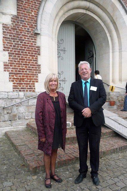 Le Forum 2014 des Weppes, un gros succès, résultat d'une collaboration exemplaire entre d'une part l'association Weppes en Flandre, d'autre part les bénévoles et la municipalité de Fromelles !
