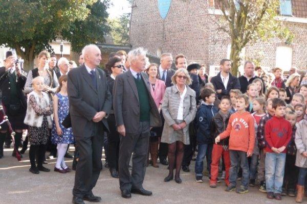 En ce samedi 18 octobre, les descendants Boyle ont honoré la mémoire de leur ancêtre James, tué lors de la bataille de La Bassée il y a tout juste cent ans. (reportage Chantal Dhennin)