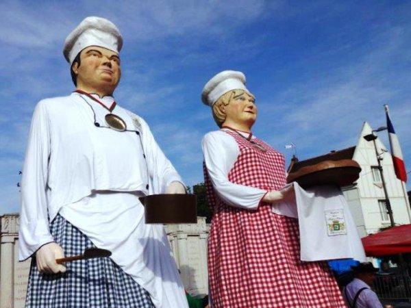 La fête de la tarte à prônes de Pérenchies, c'était le mois dernier ! (Reportage Jean-Pierre Compère)