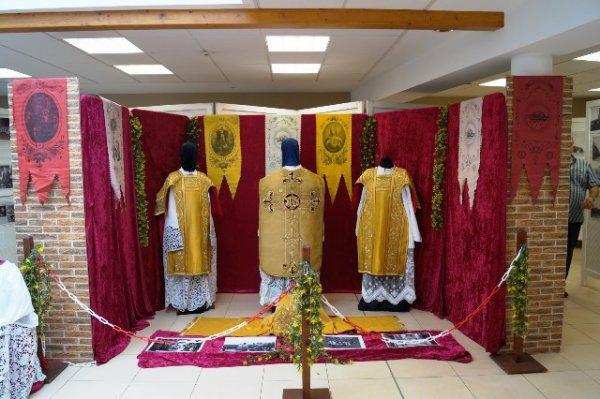 """L'exposition du 15 août dernier de l'association """"Si Pérenchies m'était contée"""" était consacrée à l'église Saint-Léger"""