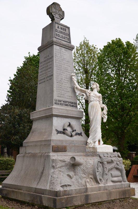 Bientôt vous saurez tout sur le monument aux morts d'Herlies...