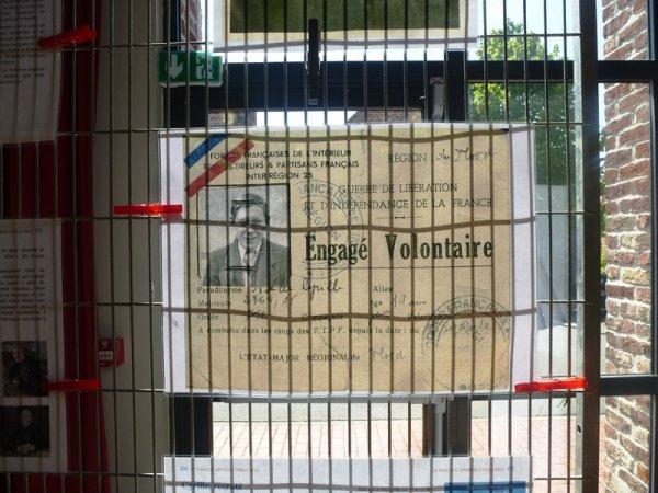 A l'occasion des cérémonies commémorant l'armistice du 8 mai 1945, Herlies a rendu hommage à Cyrille Becu, natif de la commune, engagé volontaire, tué dans les combats de la poche de Dunkerque le 5 mai 1945 (photos Frédéric Faucon et Alain-Pierre Loyez)
