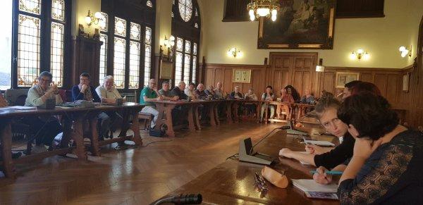Weppes en Flandre et la ville d'Armentières ont réuni les exposants du Forum des Weppes du 14 octobre (photos Paul Povoas)