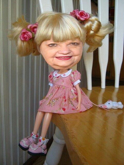 elle est mignonne la poupée