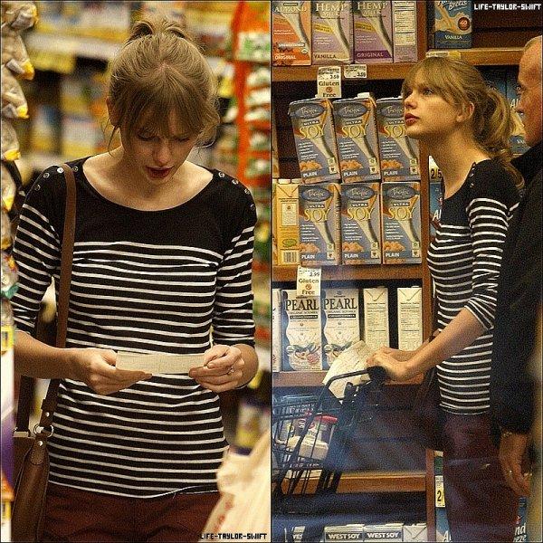 24.02.12: Taylor faisant du shopping dans Beverly Hills.