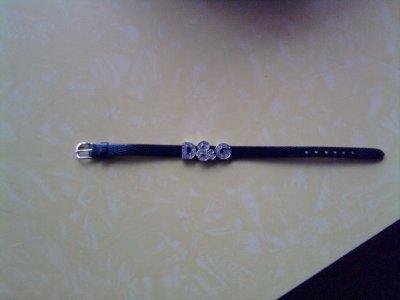 Bracelet avec les lettres d&g