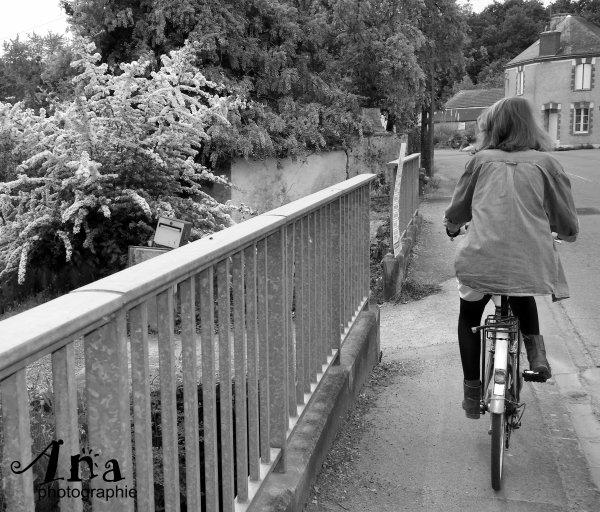 La fille qui faisait du vélo