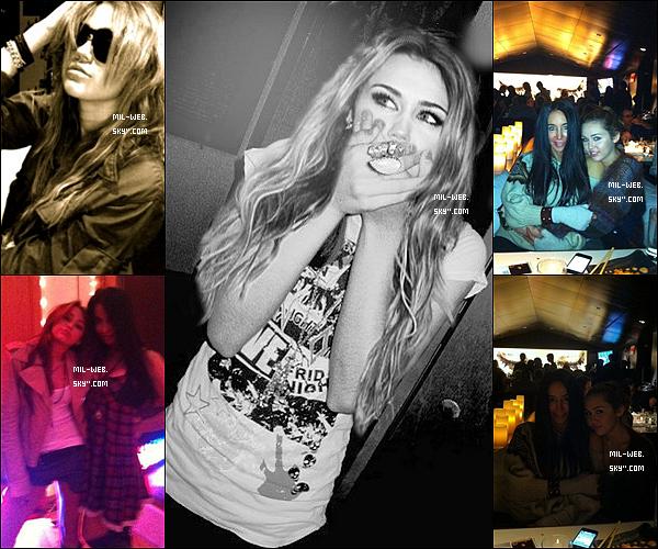 07.01.11 - Des nouvelles photos personnelles de Miley Cyrus viennent de sortir ! J'adore celle en noir & blanc ♥ !