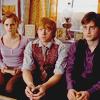 » Harry Potter, c'est pas qu'une saga, c'est une partie de ma vie presque 10 ans, une grosse page à tourner, une histoire gravé à jamais ♥  (2010)