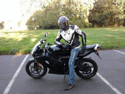 Nicos et sa moto