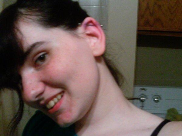 Mon premier piercing !!!! >.<