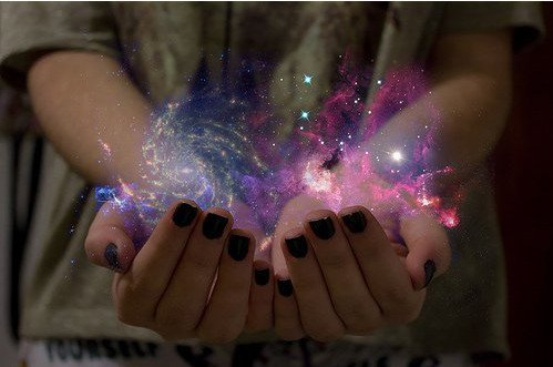 Lorsque vous lui ouvrez la porte, la magie est partout. ✦  Olivier Lockert