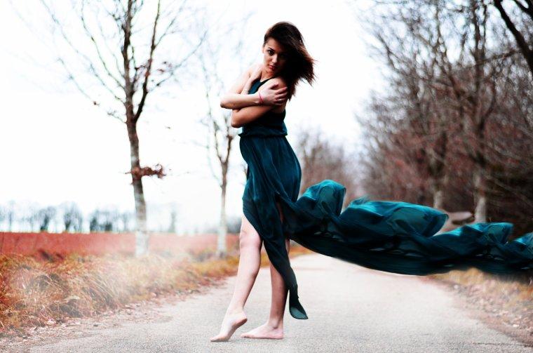 Je vagabonde dans ce monde qui est le mien.