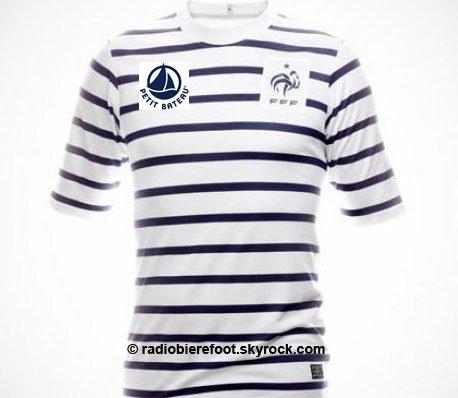 Le nouveau maillot de l'équipe de France