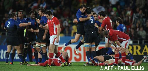 Le XV de France en finale mais que ce fut dur !