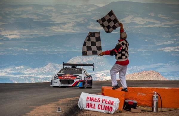 Sébastien Loeb remporte Pikes Peak !