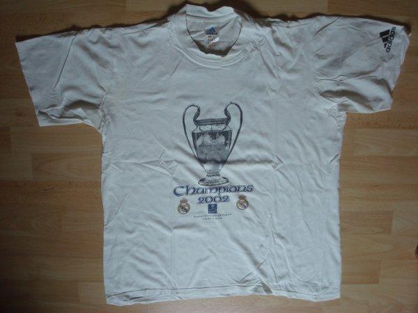 Mon vieux t-shirt du Real Madrid