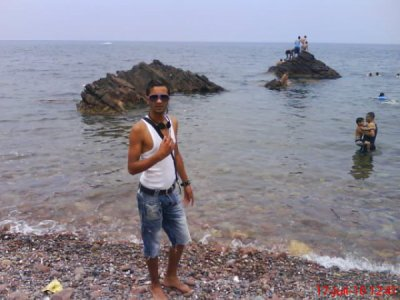 mon pote du bled djilou sisisisi tro mortel la plage