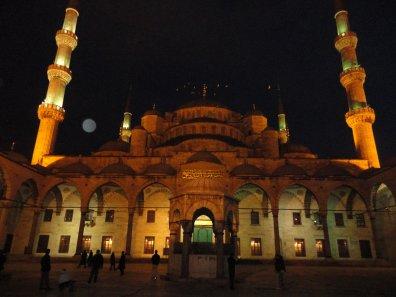 bir gün daha güsellerden ~ ISTANBUL <3