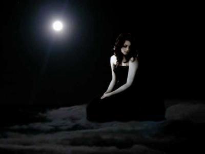 On regrette mais c'est trop tard, j'aimerais tant faire marche arrière, j'ai tout perdu, j'ai plus d'espoir, il ne me reste plus que la prière