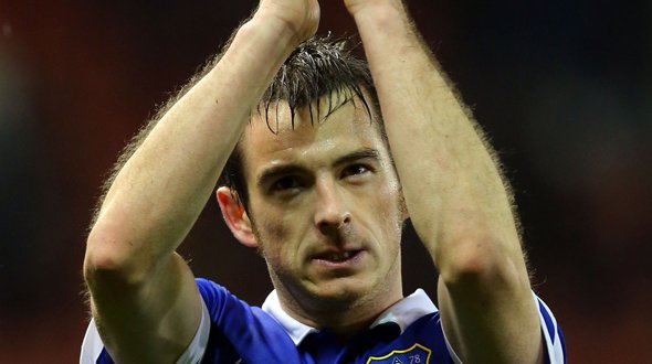 EVERTON : Baines prolonge