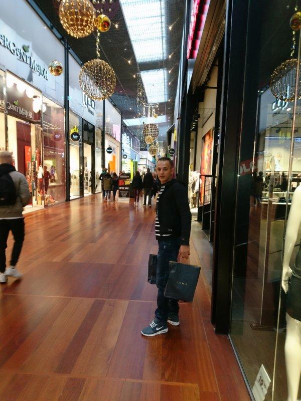 I love Zara market